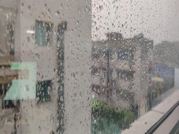 Rain lashes parts of Delhi (Photo/ANI)
