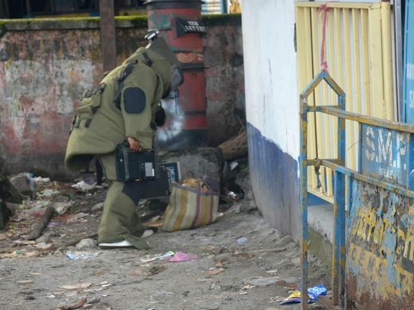 CID Bomb Disposal Squad disposing container (Photo/ANI)
