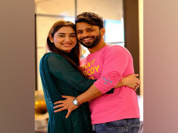 Rahul Vaidya and Disha Parmar (Image source: Instagram)
