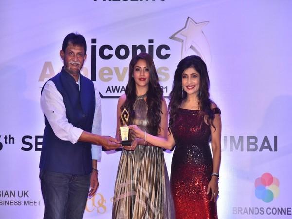 Former Cricketer Sandeep Patil with Surbhi Chandna and Ms. Shibani Kashyap @ WBR Corp Iconic Achievers' Awards 2021, Mumbai