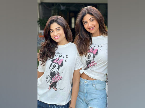 Shilpa Shetty with Shamita Shetty (Image source: Instagram)