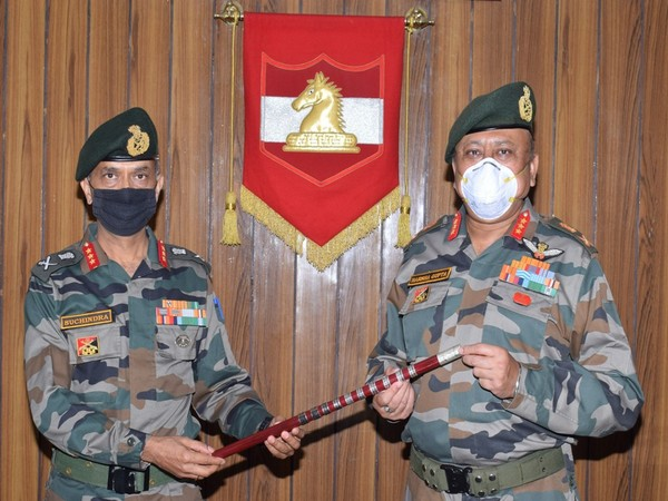 Lt Gen M V Suchindra Kumar, took over command of the elite White Knight Corps from Lt Gen Harsha Gupta.