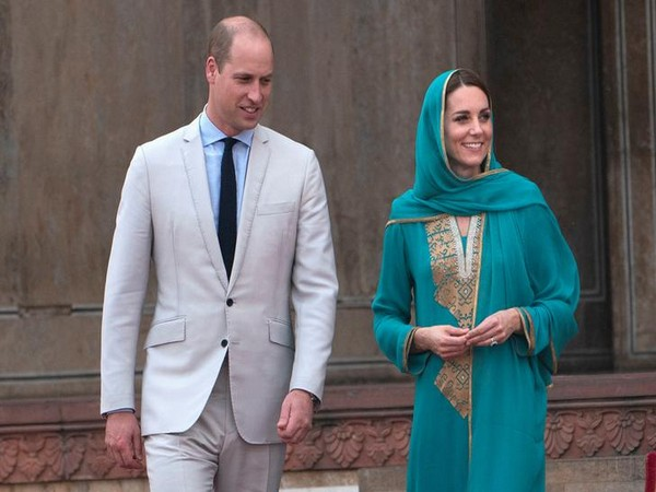 Britain's Prince William and Kate Middleton at Badshahi Mosque in Lahore