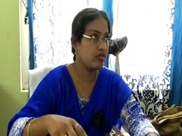 Woman tehsildar, S Haseena Begum, who demanded Rs 8 lakh as bribe from a farmer in Kurnool, Andhra Pradesh. (Photo/ANI)