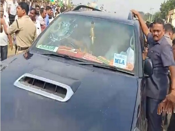 YSRCP MLA's vehicle was allegedly attacked during a road block agitation (File photo)