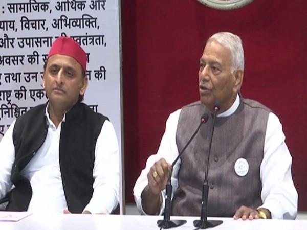 Former Union Minister Yashwant Sinha, along with Samajwadi Party chief Akhilesh Yadav, addresses a press conference in Lucknow, UP, on Monday. (Photo/ANI)