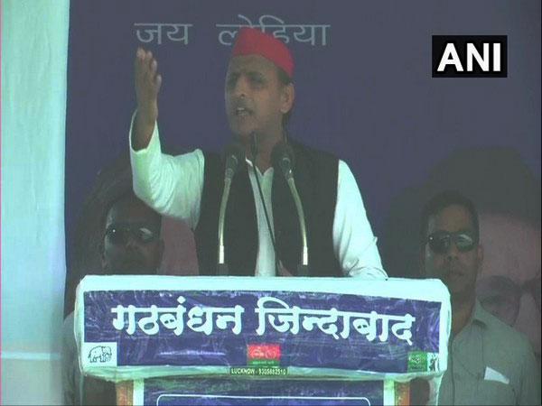 SP chief Akhilesh Yadav addressing an election rally in Gorakhpur, Uttar Pradesh.