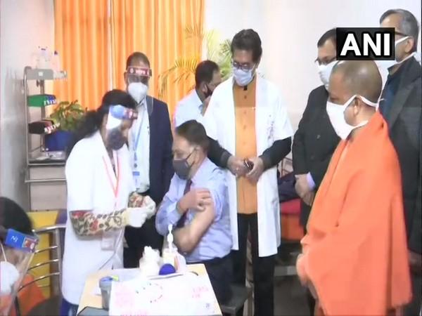 Yogi Adityanath reviewing vaccine admiration in Lucknow