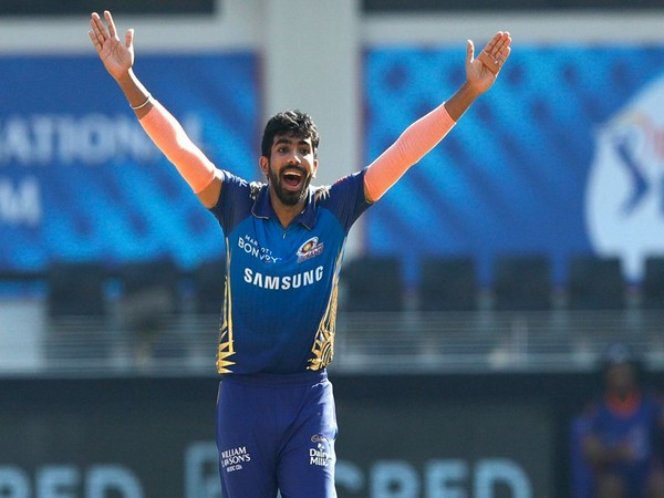 Mumbai Indians' pacer Jasprit Bumrah in action against Delhi Capitals (Photo/ iplt20.com)