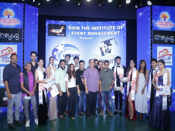 College Idol India winners with judges Aashin Shah and Amit Solanki