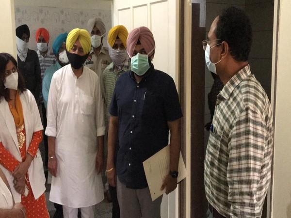 Deputy Commissioner Varinder Kumar Sharma inspecting the building