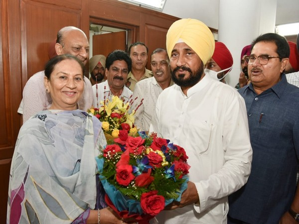 Punjab Cabinet Minister Aruna Chaudhry with Chief Minister Charanjit Singh Channi (Photo/ANI)