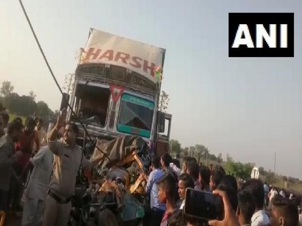 Six died in accident on Mumbai-Agra NH at Kolaras, Madhya Pradesh