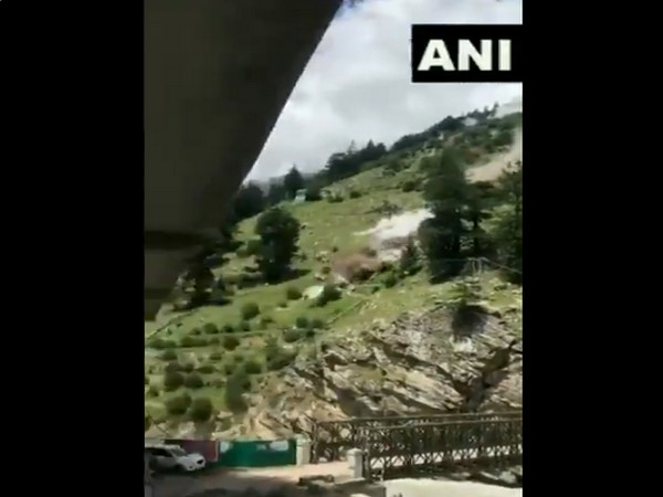 Boulders falling from Batseri to Sangla Chitkul road. (Photo/ANI)