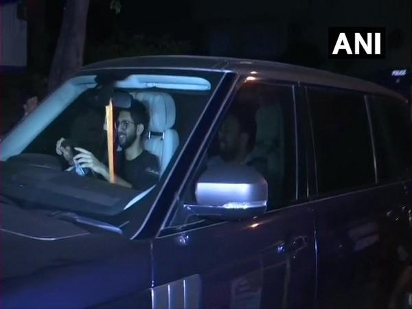 Aditya Thackeray leaves Hotel Rangsharda after meeting Sena MLAs in Mumbai. Photo/ANI