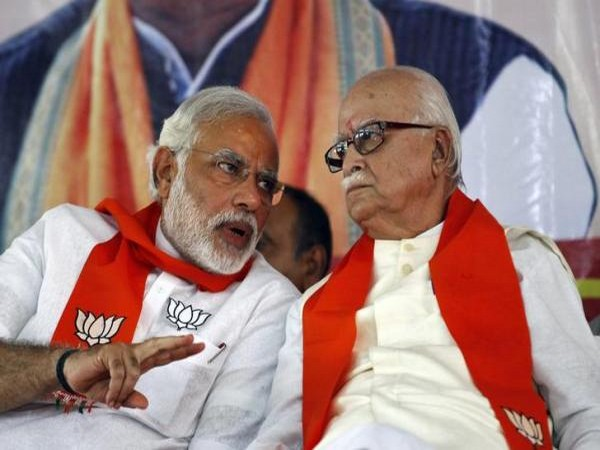 Prime Minister Narendra Modi with BJP leader L K Advani (File photo)