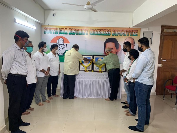Gandhi Jayanti and Shastri Jayanti being celebrated in the South Goa district office.