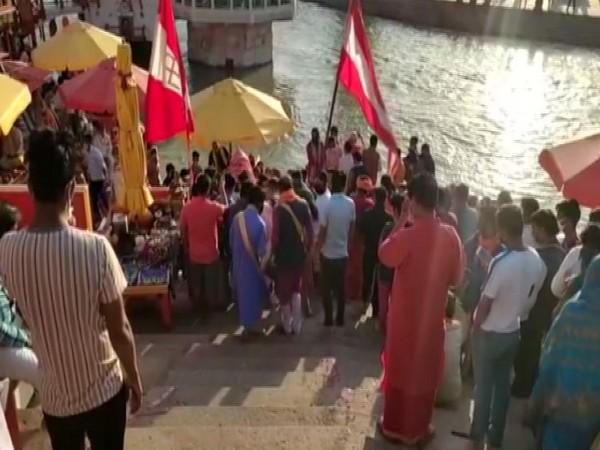 Dev Dolis' at Har Ki Pauri (Photo/ANI)