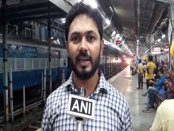 Aftab Ahmad, a passenger speaking to ANI at Allahabad railway station on Thursday. Photo/ANI