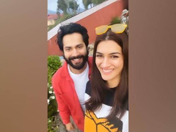 Varun Dhawan and Kriti Sanon (Image courtesy: Instagram)