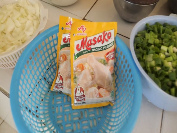 Ajinomoto contributes to safe and tasty meal in Indonesia.