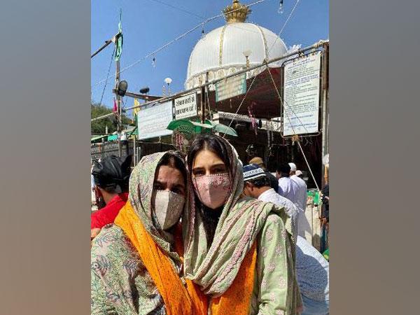 Amrita Singh and Sara Ali Khan (Image courtesy: Instagram)