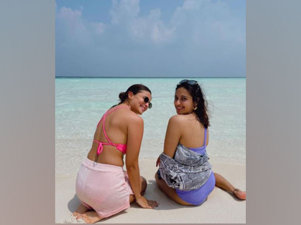 Alia Bhatt and Akansha Ranjan Kapoor (Image source: Instagram)