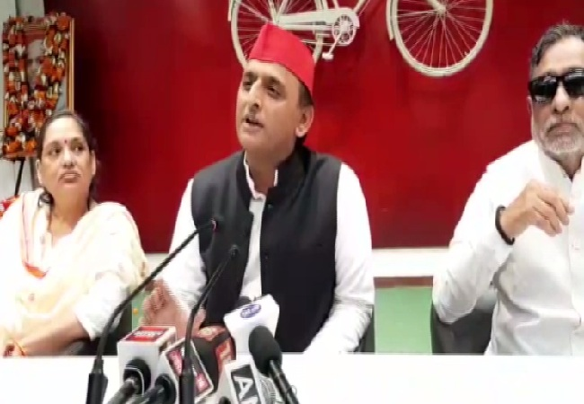 SP chief Akhilesh Yadav speaking at a press conference in Lucknow, Uttar Pradesh on Sunday.