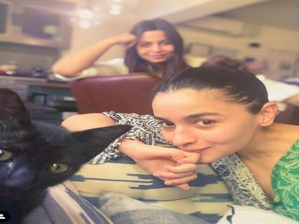 Alia Bhatt, Shaheen Bhatt, Juniper (Image courtesy: Instagram)