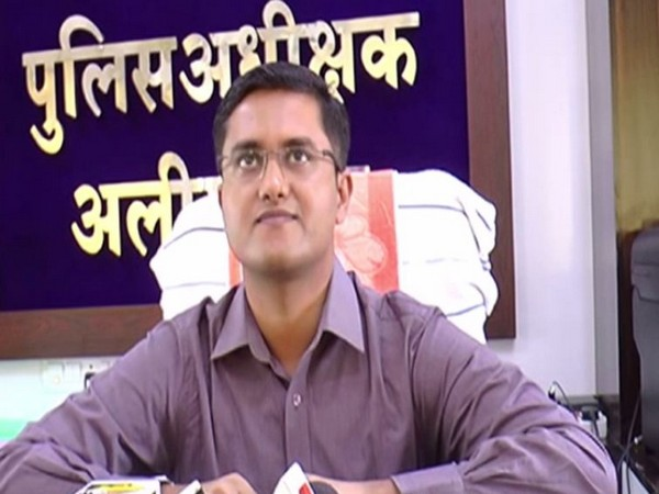 Superintendent of Police Vipul Srivastava speaking to reporters in Alirajpur, Madhya Pradesh on Tuesday.