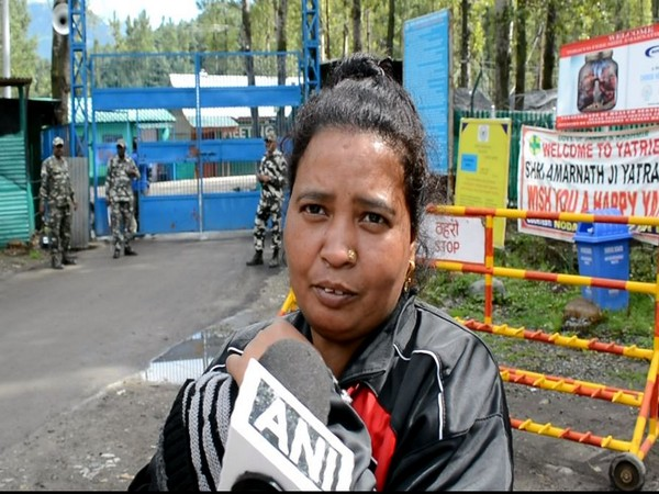 Mamta Goyal, one of the pilgrims talks to ANI at Pahalgam in Srinagar at August 3. Photo/ANI