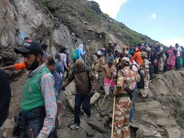 The pilgrims on the Baltal route of Amarnath Yatra on Thursday. (Photo: ANI)