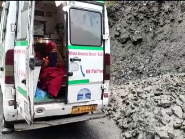 Emergency medical staff help woman deliver twins in 108 Ambulance in Kullu, HP