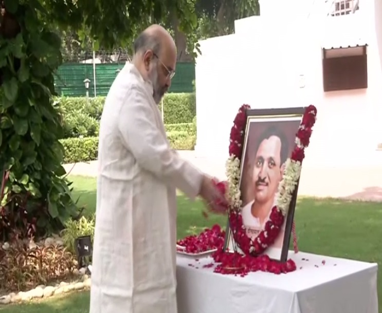 Union Home Minister Amit Shah paying tributes to Deendayal Upadhyaya on his birth anniversary on Friday. [Photo/ANI]