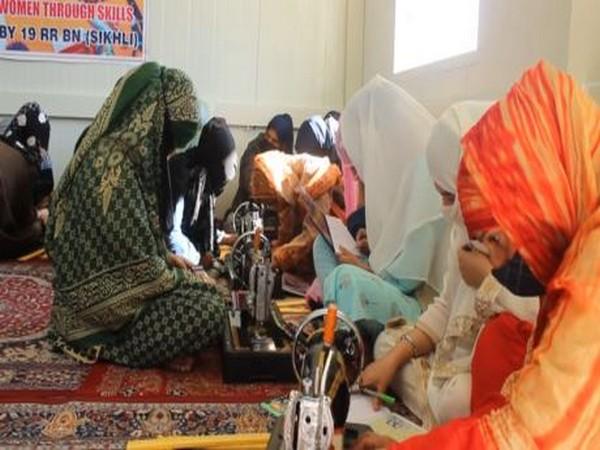 Army empowers Kashmiri girls in Anantnag