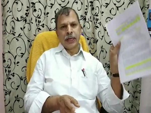 Andhra Pradesh Congress Committee (APCC) working President N Tulasi Reddy (Photo: ANI)