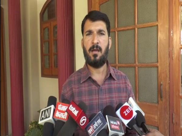 Anshul Chhatrapati, son of slain journalist Ram Chander Chhatrapati speaks to media in Sirsa on Thursday [Photo/ANI]