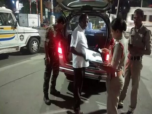 Police conducting search operations in Srikalahasti-Tirupati roadway on Friday night. Photo/ANI