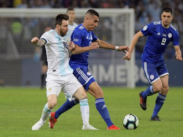 Players in action during Argentina-Paraguay match