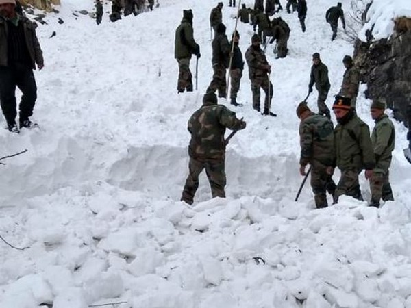 Rescue operation to locate trapped soldiers in Kinnaur on Sunday. Photo/ANI