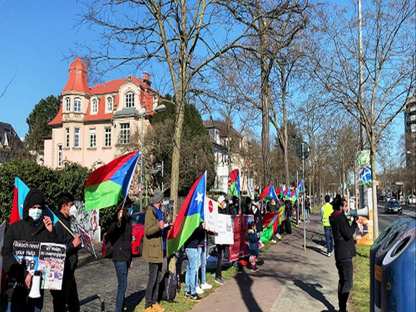 The Free Balochistan Movement Germany Branch organized a protest in front of the Pakistani Consulate in Frankfurt.
