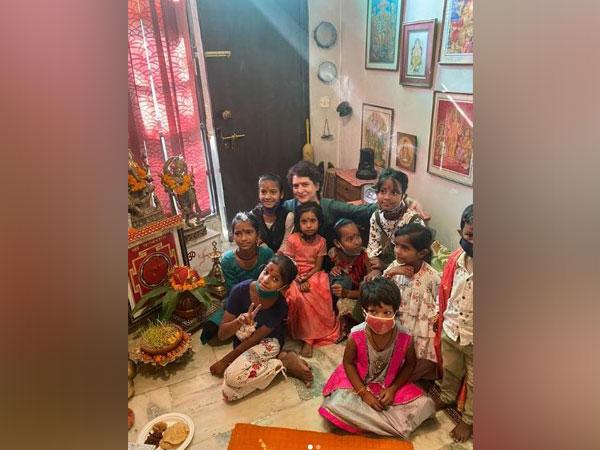 Congress leader Priyanka Gandhi Vadra with kids (Image courtesy: Instagram/@priyankagandhivadra)