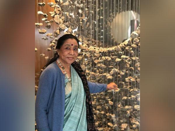 Asha Bhosle (Image courtesy: Instagram)
