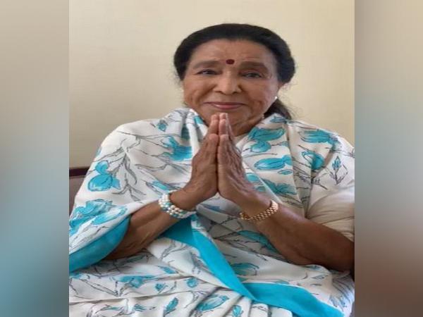 Singer Asha Bhosle (file)