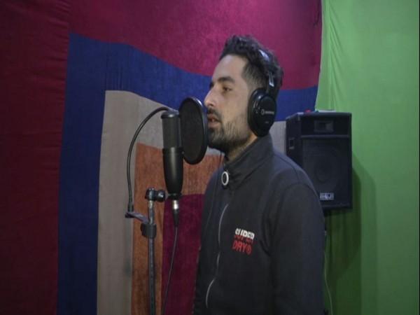 Rasiq Imtiyaz Khan, singer-cum-composer who owns a musical studio