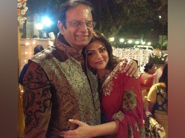 Sushmita Sen with her father Shubeer Sen (Image source: Instagram)