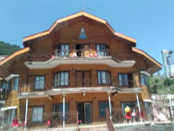 Preparations in full swing for the marriage of Gupta family in Auli