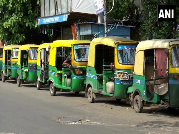 The auto-rickshaw drivers in WB's Kolkata are facing difficulties due to fewer passengers amid COVID-19. (Photo/ANI)