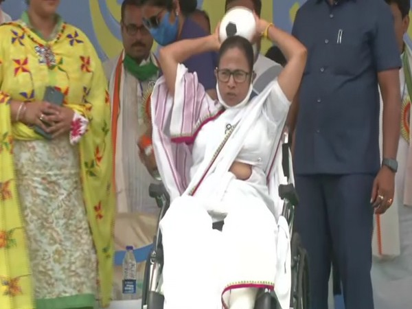 West Bengal CM Mamata Banerjee at a public gathering in Hooghly. (Photo/ANI)