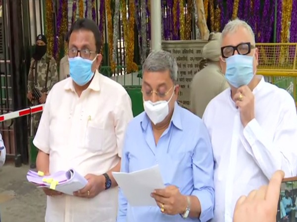 A TMC delegation led by party leader Kalyan Banerjee